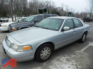#10 2003 Ford Crown Victoria 4 Door