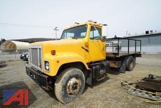 1992 International 2547 14' Flatbed Truck