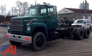 1989 Ford LT9000 10 Wheeler Cab and Chassis