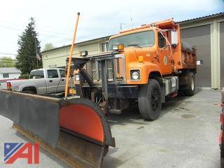 1999 International 2574 Dump Truck with Plow