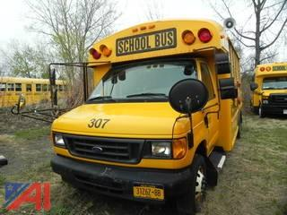 (#307) 2006 Ford Thomas E450 Mini Wheelchair School Bus