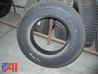 (#5) 10R22.5 Retread Tires