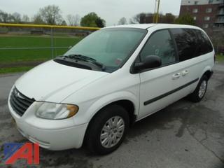2005 Chrysler Town & Country LX Caravan