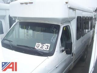 2009 Ford E350 Super Duty Wheelchair Bus