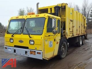 2001 Crane Carrier Low Entry Packer/Garbage Truck