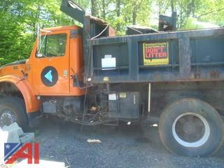 (#8) 2000 International 4800 Dump Truck (Parts Only)