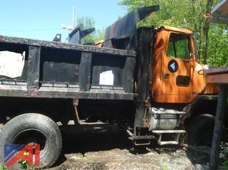 (#9) 1996 Volvo Autocar Dump Truck (Parts Only)
