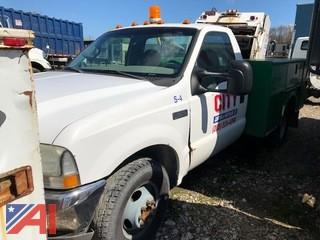 2002 Ford F350 XL Super Duty Pickup Truck with Utility Body and Lift Gate