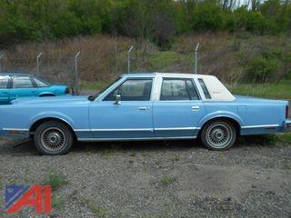 1981 Lincoln Town Car 4DR