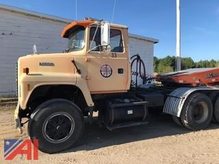 1995 Ford L9000 Tractor