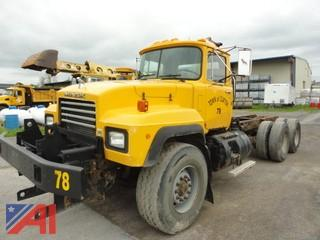 1996 Mack RD690S Cab and Chassis