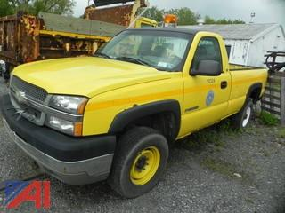 (#1) 2003 Chevy Silverado 2500HD Pickup Truck with Plow
