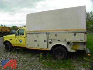(#13) 1994 Ford F450 Super Duty Pickup Truck with Utility Box