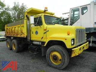 (#20) 2000 International 2574 Dump Truck