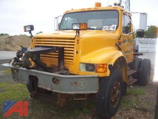 1992 International 4900 Cab and Chassis