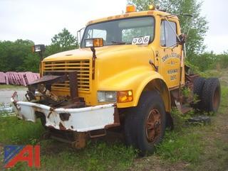 1994 International 4900 Cab and Chassis