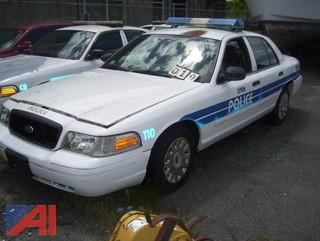 2005 Ford Crown Victoria 4 Door/Police Interceptor