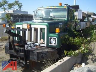 1998 International 2554 Spreader Body Truck