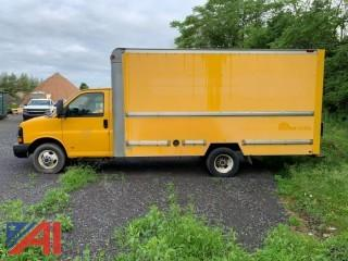 2004 GMC Savana Box Truck