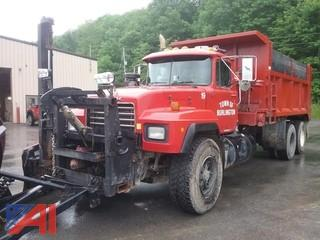 2003 Mack RD688S Dump Truck with Plow
