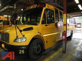 (#5) 2009 Freightliner Thomas B2 School Bus