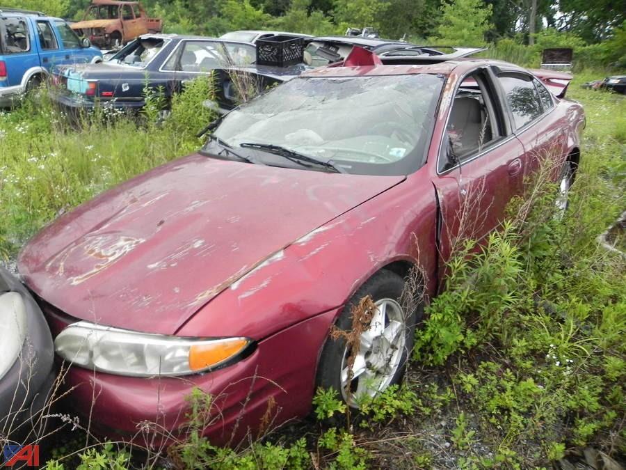 auctions international auction city of newburgh p d impounds ny 18211 item 13 2001 oldsmobile alero 4 door auctions international