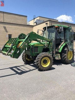 2001 John Deere 5520 Tractor with Attachments