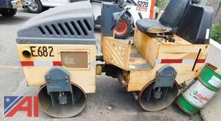(E682) 2000 Stone WP3100 Roller