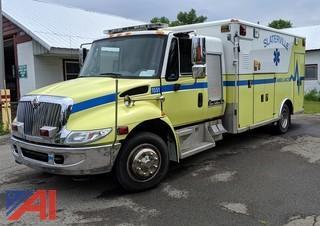 2005 International 4300 Wheeled Coach Ambulance