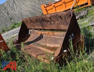 CAT 9' Clam Style Loader Bucket