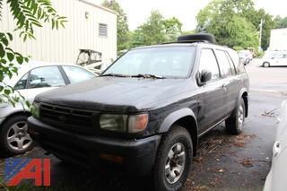1996 Nissan Pathfinder SUV