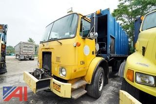 2000 Volvo Xpeditor WX Leach Rear Loader Sanitation Truck/S136