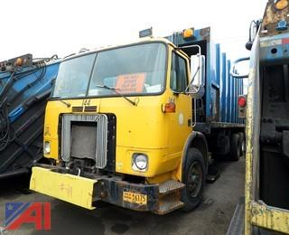2001 Volvo Xpeditor WX64 Leach Rear Loader Sanitation Truck/S144