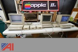 Classic Apple IIe Computers