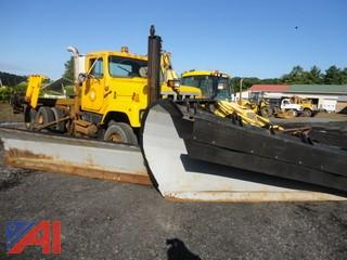 1997 International 2574 Cab & Chassis & Plow