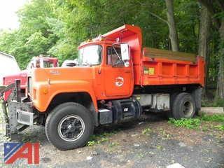 1988 Mack RD611P Dump Truck