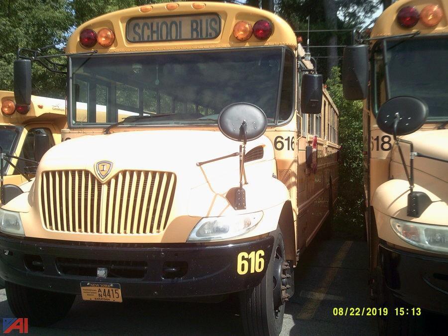 (616) 2007 International 3000 School Bus
