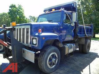(#3) 1984 International F2574 Dump Truck