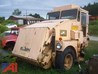 1986 Elgin Pelican Sweeper