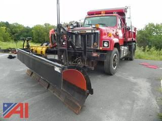 1995 International SA2574 Dump Truck with Plow and Wing