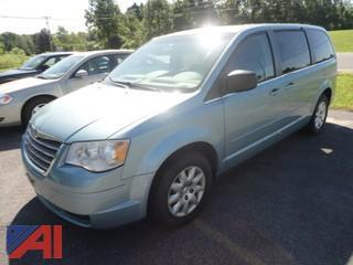 2009 Chrysler Town & Country Mini Van