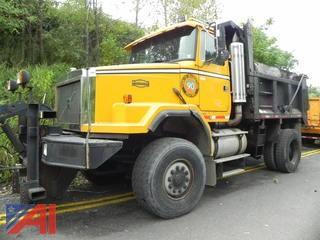 1999 Volvo Autocar ACL42B Flo-N-Dump Truck