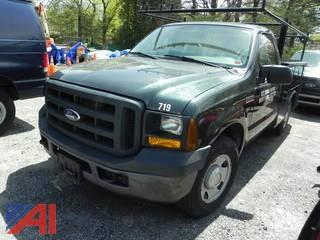 2007 Ford F250 XL Super Duty Pickup with Utility Body