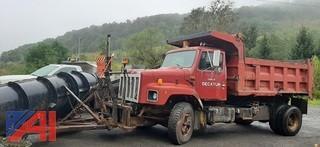 1991 International 2674 Dump Truck with Plows