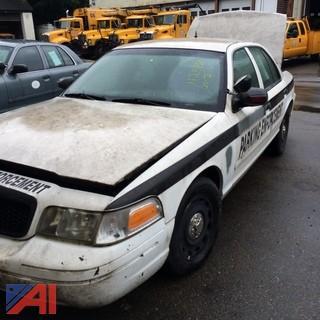 (#7) 2003 Ford Crown Victoria 4 Door/Police Interceptor