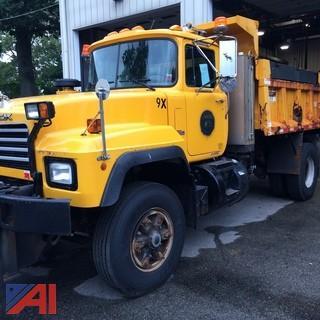 (#5) 2000 Mack RD688P DW Dump Truck