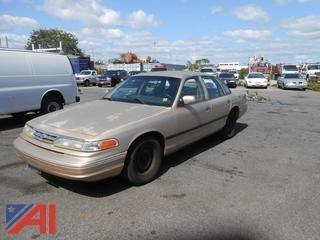 1996 Ford Crown Victoria Sedan/Police Interceptor