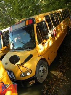 (2910) 2009 Freightliner/Thomas B2 School Bus