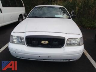 (#28) 2011 Ford Crown Victoria 4 Door/Police Interceptor