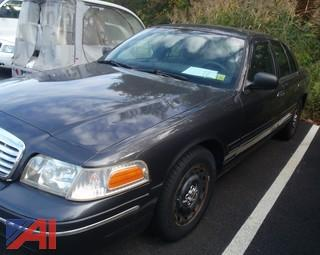 (#30) 2004 Ford Crown Victoria 4 Door/Police Interceptor